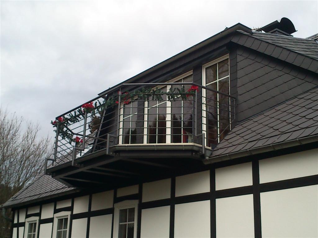 wir bauen balkone aus holz terrassen aus holz und. Black Bedroom Furniture Sets. Home Design Ideas